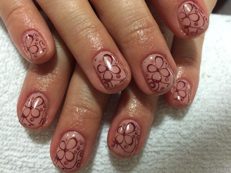 Shellak nails stamping