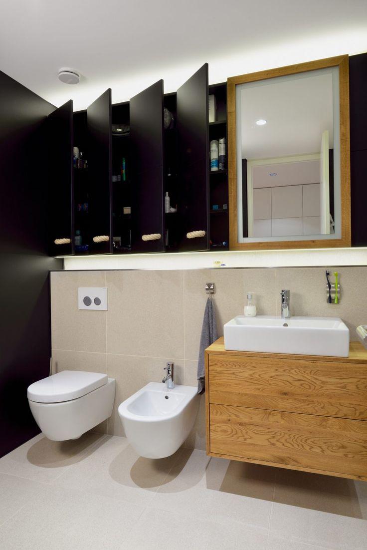 Moderne wohnung slowenien badewannen minimalismus toiletten waschbecken pulver schwarz und weiß architekten