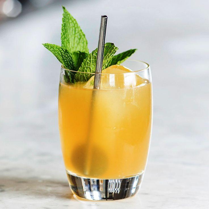 Рецепты коктейлей на любой вкус: http://sov.luxpovar.ru/alkogolnye-koktejli/  Любой праздничный стол немыслим без напитков. А если эти напитки вкусны и оригинальны, то веселье только усиливается.