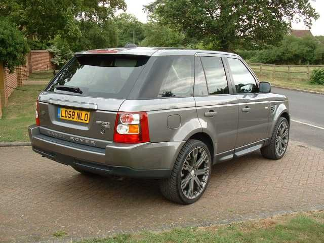 2008 Range Rover Sport 2.7 TDV6 HSE 5-door auto. estate. Stornaway Grey with black leather interior. FSH.