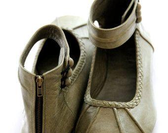 Zapatos Raros, Zapatos Cómodos, Zapatos Lindos, Zapatos De Mujer,  Sandalias, Bordado, Estilo De Zapatos, Chanclas, Vestidor