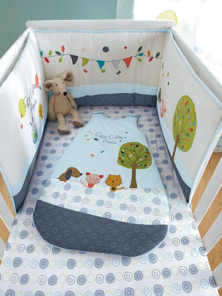 Tour de lit brodé bébé thème Fête entre amis, Puériculture