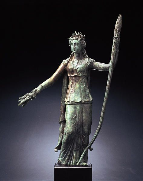 A Roman bronze statuette of Ceres from the Miho Museum, Kyoto, Japan (1st c. AD),