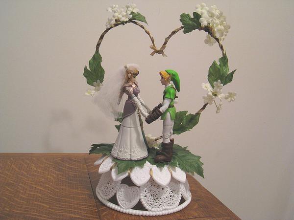 Zelda Cake Decor : I found  Legend of Zelda Link & Zelda Wedding Cake Topper ...