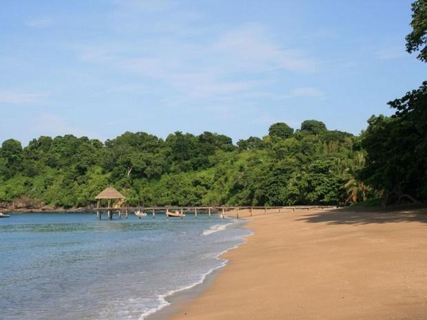 Plage de N'Gouja!  Mon premier bain au milieu des Tortues!  Mayotte