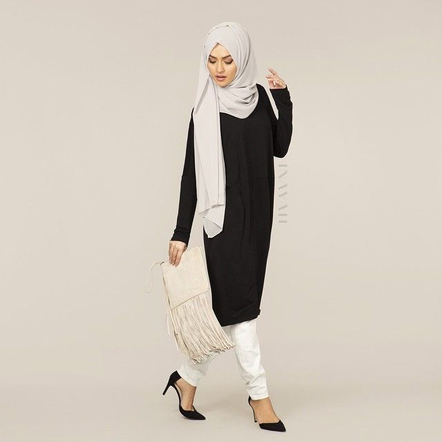 INAYAH | Black Cocoon Midi Dress + Feather Grey Maxi Georgette Hijab + White Trousers Coming Soon | www.inayahcollection.com #covered #Hijab #Blackdress #Midi #Dress #Dresses #islamicfashion #modestfashion #modesty #modeststreestfashion #hijabfashion #modeststreetstyle #modestabayas #modestdresses #ootd #cardigan #springfashion #INAYAH #covereddresses #looseclothing
