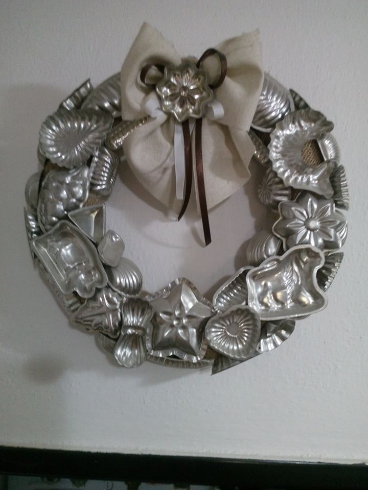 I have a bunch of these tiny candy molds... Should I make this wreath?
