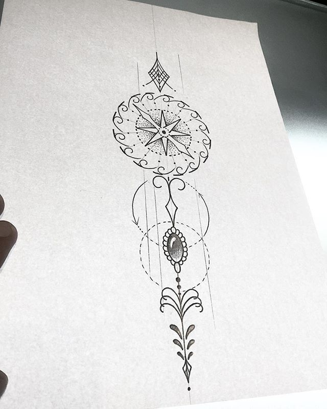 Bússola com ornamentos! Art feminina pra Tattoo! #blackwork #tattoo #art #arte…                                                                                                                                                                                 Mais