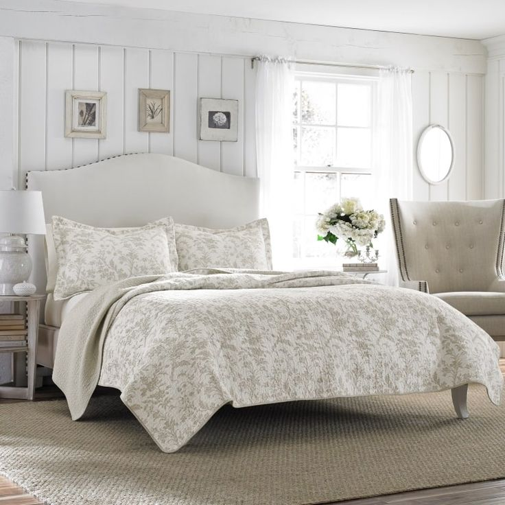 Cafe Au Lait Bedroom With Damask Wallpaper: Laura Ashley Amberley Bisquit Reversible 3-piece Quilt Set