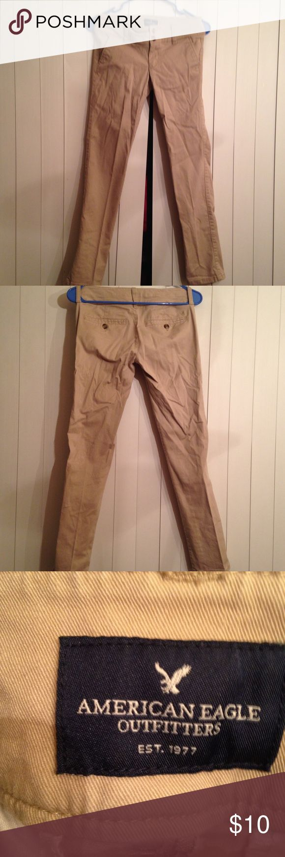 American eagle outfitters skinny khaki pants American Eagle Outfitters skinny khaki pants size 00 in excellent condition. From smoke free home with a fur baby🐶 American Eagle Outfitters Pants Skinny