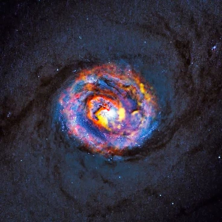Dos equipos internacionales de astrónomos han utilizado las capacidades de ALMA (Atacama Large Millimeter/submillimeter Array) para estudiar...