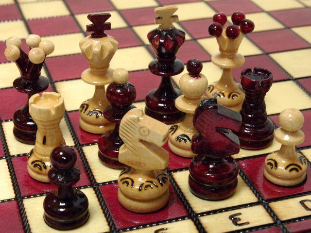 【楽天市場】木製チェスセット駒盤:Gaia(ガイア)ボルドー chess駒盤 数量限定販売【楽ギフ_包装】:ホビーマート
