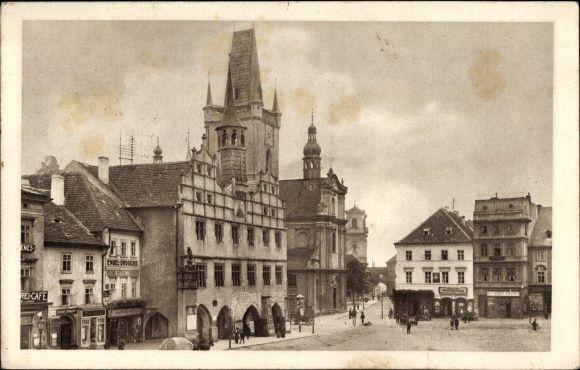 Ansichtskarte / Postkarte Litoměřice Leitmeritz Reg. Aussig, Marktplatz mit altem Rathaus und Stadtkirche