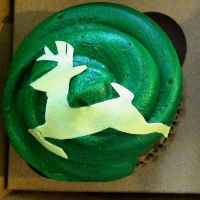 Homemade John Deere cupcakes for fathers day! Turned out pretty good. :): Homemade John, John Deere Cupcakes, John Deer Cupcake