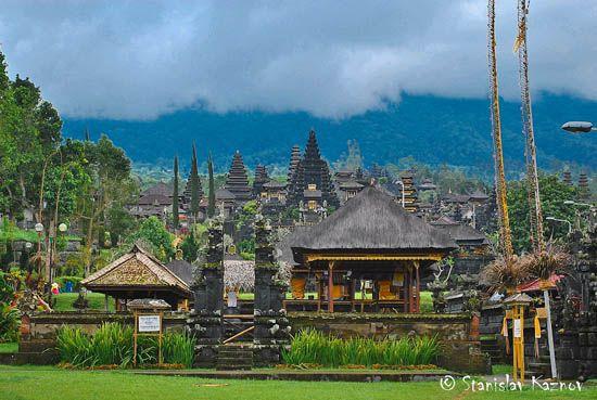 Εντυπωσιακός ναός στο Μπαλί