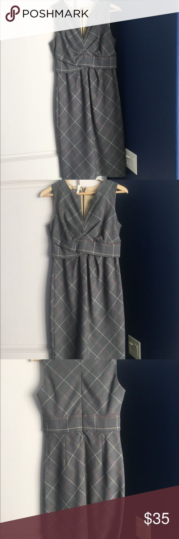 Donna Ricco gray and pink dress.  Hits below knee In new condition Donna Ricco sleeveless dress.  No stains and lined.  Great for business with a jacket.  Nice date night dress also.  Gives you great curves. Donna Ricco Dresses Midi