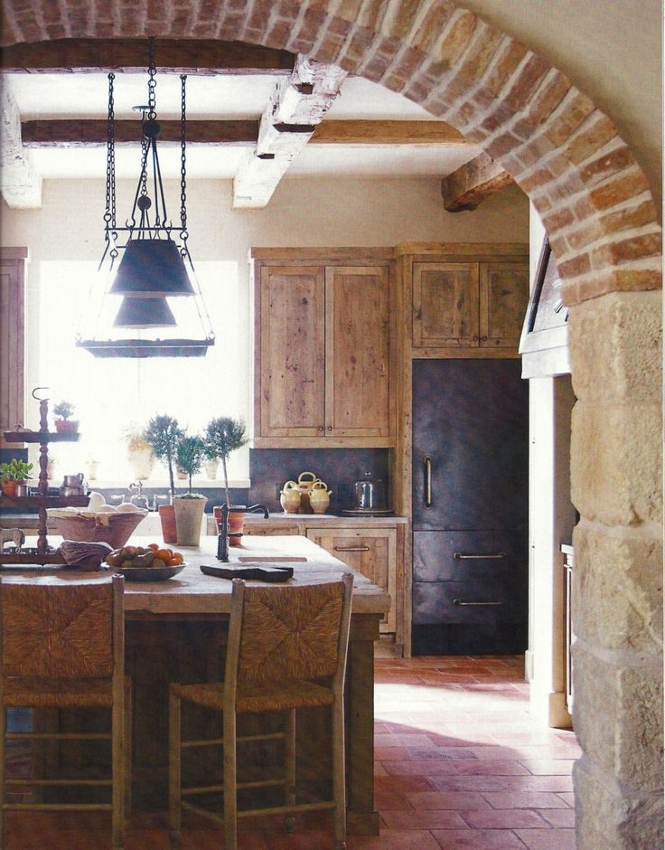 archCabinets, Rustic House, Ideas, Bricks Arches, Dreams, Italian Farmhouse, Bricks Archway, Farmhouse Kitchens, Expo Bricks