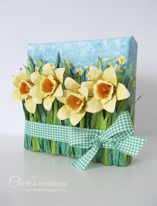 Clare's creations: Mixed-media paper Daffodil mini canvas