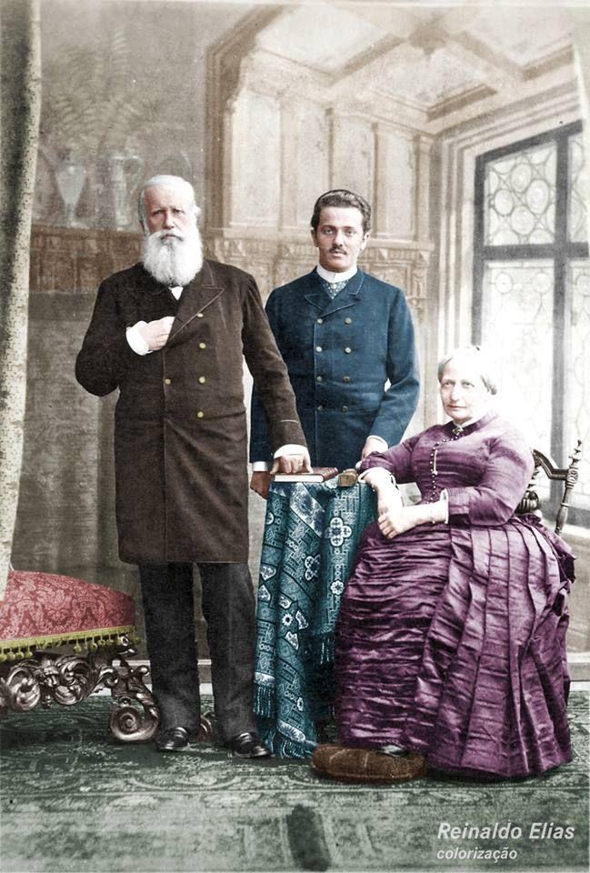 Dom Pedro II Imperador do Brasil, seu neto e a esposa, em 1887.