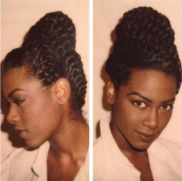 RHOA Kenya Moore khamet kinks 90s throwback pic with Goddess Braids. She favors Beyonce here.