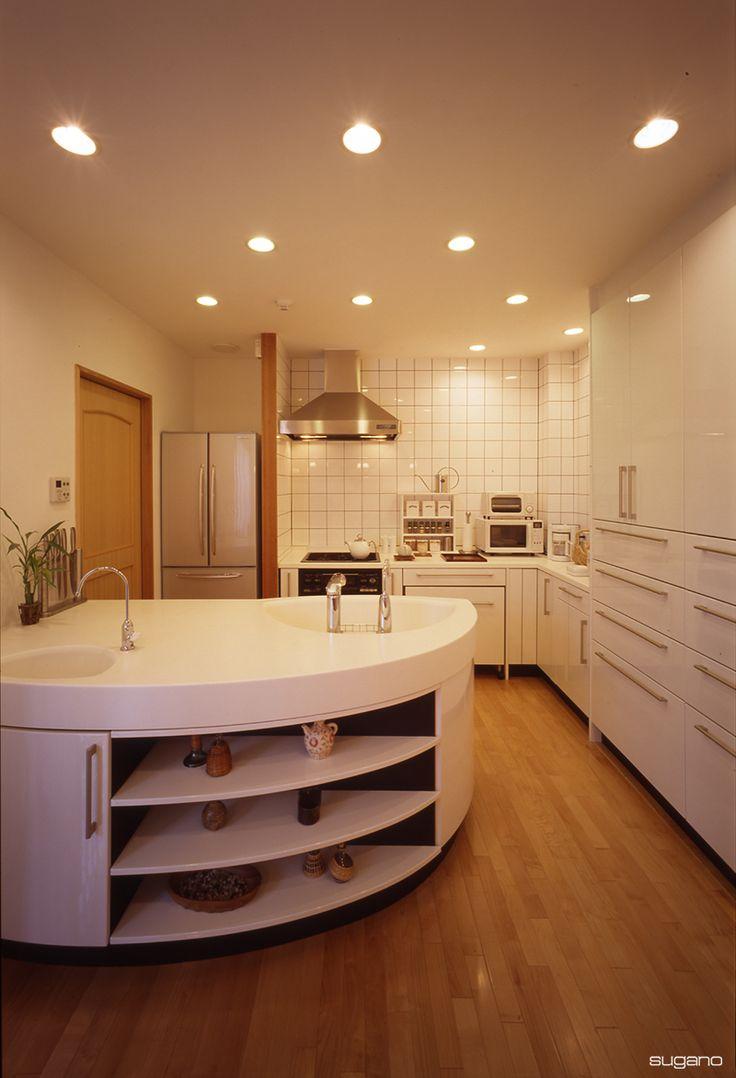 たっぷりの作業スペースと収納のキッチン。#和風住宅 #家づくり #住宅 #新築住宅 #キッチン #ldk #トクラス #L型キッチン #設計事務所 #菅野企画設計