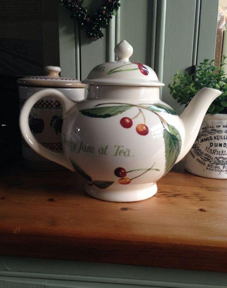 Emma Bridgewater Kitchen Garden Cherry Four Cup Teapot