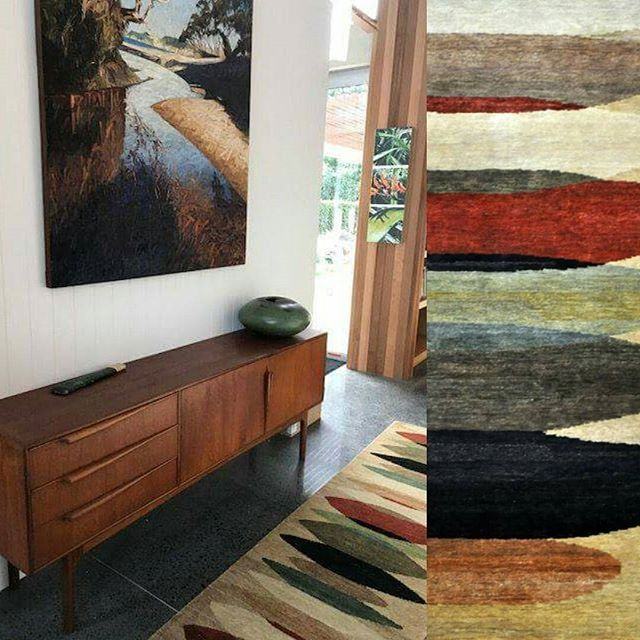 Something a little different, our Moeraki rugs make a space come alive, see what we have in stock or custom one. #rugdesign #moeraki #colourvariationcollection #sourcemondialNZ #hallway