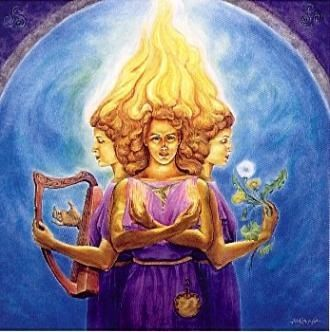 """Brigit /Seu nome significa """"flecha de poder"""". Brigit era filha do Dagda,sendo chamada A Poetisa. Outro aspecto de Danu,associada a Imbolc.Tinha uma ordem dedicada a ela, formada só por mulheres,em Kildare,na Irlanda,que se revezavam para manter o fogo sagrado sempre aceso.Deusa do fogo,fertilidade,lareira,todas as artes e ofícios femininos,artes marciais,curas, medicina,agricultura,inspiração, aprendizagem,poesia,adivinhação, profecia,criação de gado,amor,feitiçaria, ocultismo."""