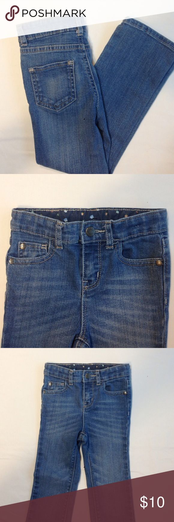 Genuine Kids from Osh Kosh Light Blue Jeans Super stylish lighter colored blue jeans. Size 3T. I feel these are pretty long for size 3T. Inseam 16 inches.  Straight leg, snap closure, adjustable waist. Great for your tall slender girl! Great condition. Osh Kosh Bottoms Jeans