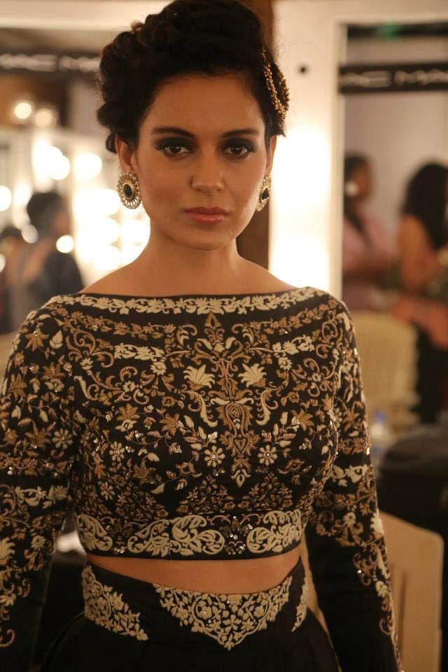 Anju Modi india couture week 2014. .Money makes Fashion happen. Adooye makes Money happen ! Call me, Vivek, 9844158155, find out how ! Free demo ! Watch ads daily, talk to people about the Adooye Opportunity. Encourage them to join you. Develop a good team and you could earn in lacs per month, with income growing every month.Adooye.com
