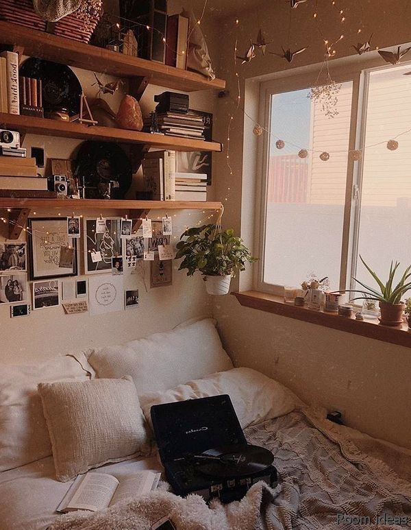 How To Make Your Room Look Cool In 2020 Aesthetic Bedroom Dorm Room Decor Chill Room