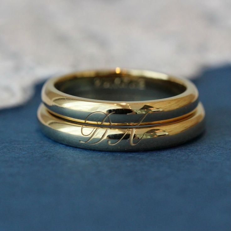 2つを重ねてうかび上がる、お二人だけの特別な結婚指輪 [marriage,wedding,ring,bridal,K18,マリッジリング,結婚指輪,オーダーメイド,ウエディング,ith,イズマリッジ,イニシャル]
