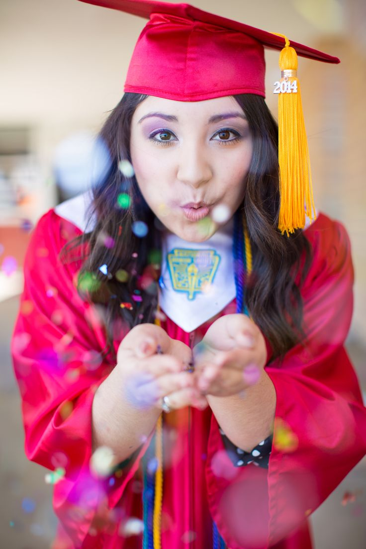 40 best Cap & Gown images on Pinterest | Senior pictures, Graduation ...