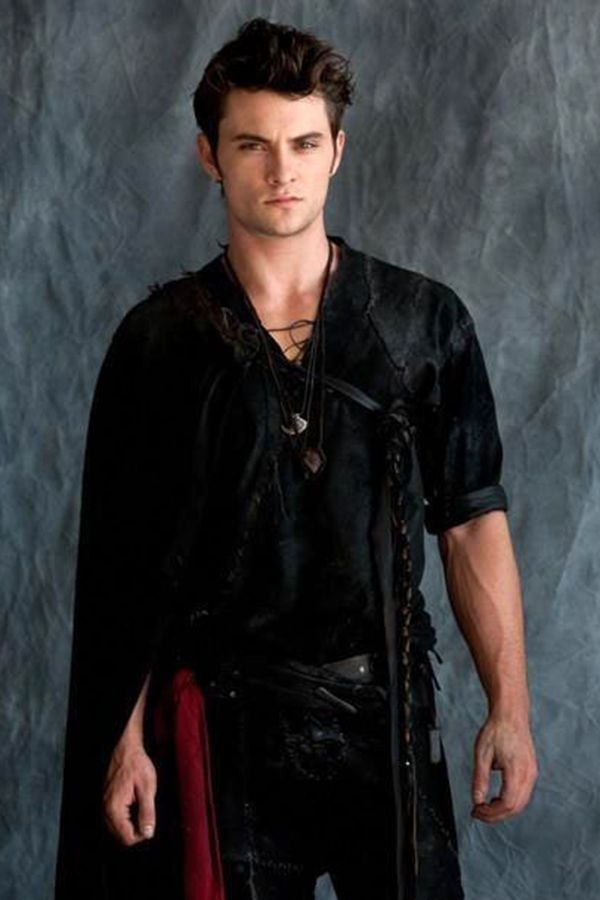 shiloh fernandez red riding hood - Buscar con Google