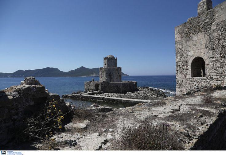 Στην πανέμορφη νότια Πελοπόννησο υπάρχει ένα κάστρο... μέσα στο νερό!