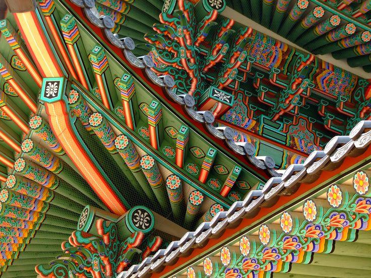 Gyeongbokgung Palace in Seoul, Korea. By Flickr user Sopgiel.