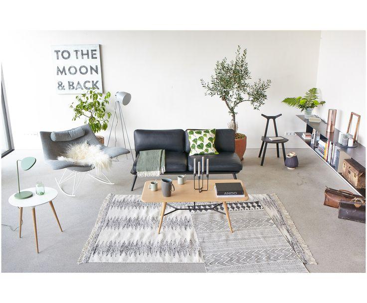 Zeitloser Luxus: 2 Sitzer Sofa SPINE Von Fredericia. Das Gestell Des  Puristischen Sofas