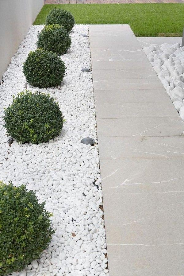 Ideas Decoracion De La Grava Blanca Para Su Jardin In 2021 Minimalist Garden Pebble Garden Small Front Yard Landscaping