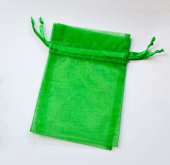 10 Organza Bags 6x9 inch Emerald Green #GreenBags #Bags #BeautifulBags #OrganzaBags #EmeraldGreen