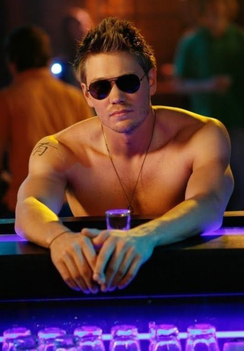 dont get me wrong I love one tree hill thats alll lol