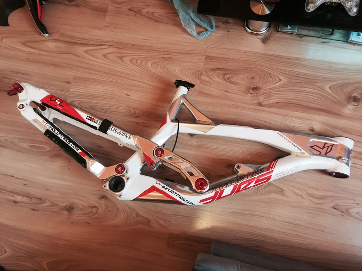 YT Industries Tues 2.0 World Cup Limited DH frame