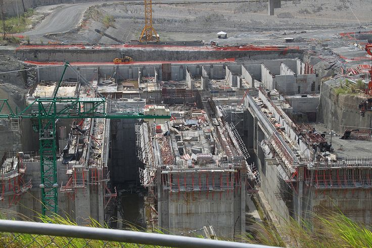 2014-02-14 Panama Canal expansion, new locks into Lake Gatun - work stopped due to cost overruns-
