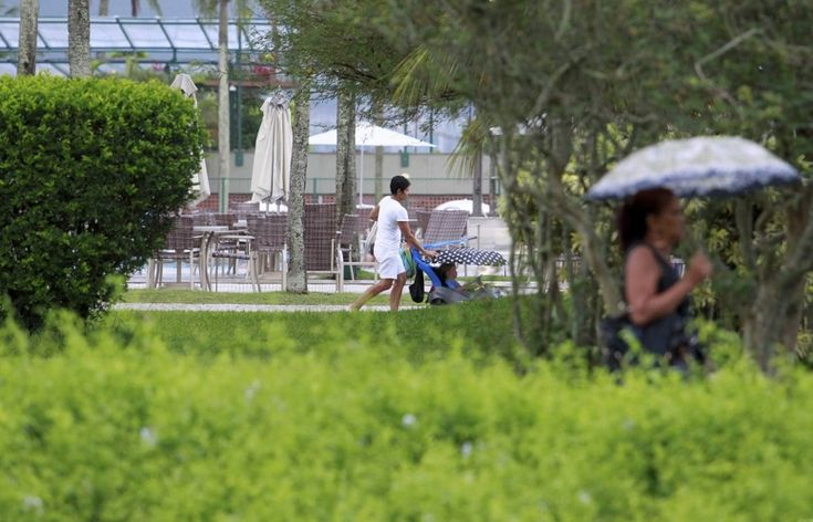 Babás são proibidas de usar banheiro feminino no Country Club do Rio