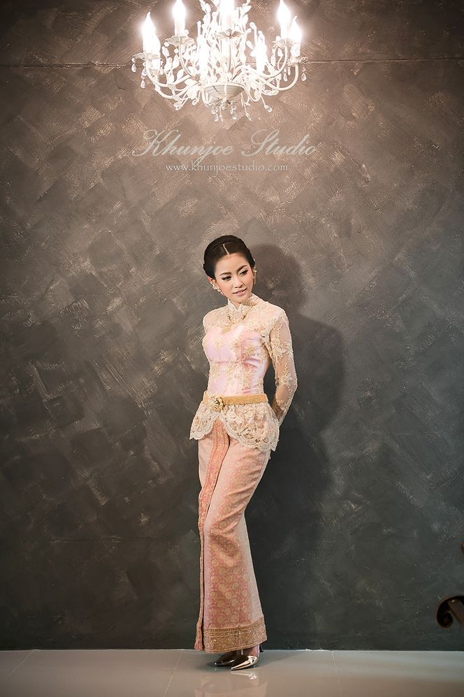 ชุดไทย :: คุณโจ สตูดิโอ ชุดแต่งงาน wedding studio ชุดแต่งงาน ชุดไทย แต่งหน้าทำผม ถ่ายภาพแต่งงาน