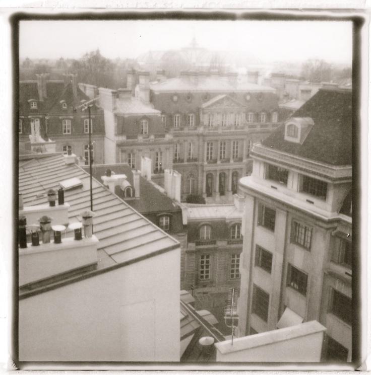 Paris VIIIème. Photo Polaroid by Hania Destelle