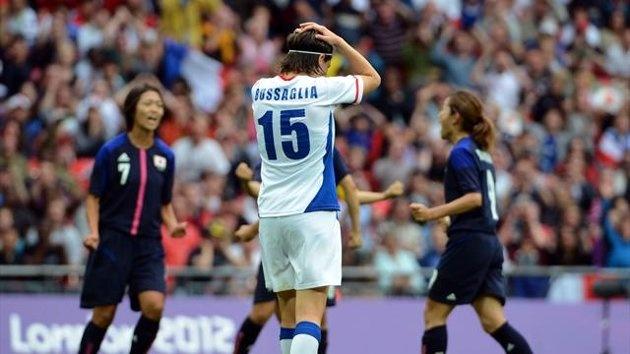 En s'inclinant face au Japonaises en demi-finale (1-2), les filles de Bruno Bini ont dit adieu à leur rêve d'or olympique. Trop passive en début de match et auteures d'erreurs d'inattention, les coéquipières d'une Elise Bussaglia malheureuse auront une dernière opportunité d'obtenir une médaille  pour éviter la même place que lors du Mondial 2011.