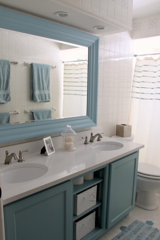 liven up your bathroom with a color combo like this with walls floor