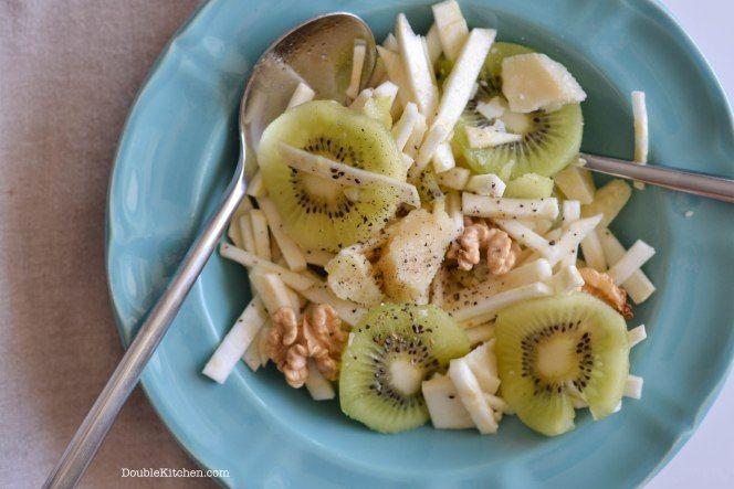 Insalata di sedano rapa, kiwi e noci (Celeriac salad with kiwi and walnuts) – DoubleKitchen