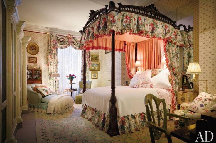 Шторы для спальни и кровать с балдахином. Марио Буатта (Mario Buatta) фото | Шторы от лучших дизайнеров мира | Декатель Новосибирск