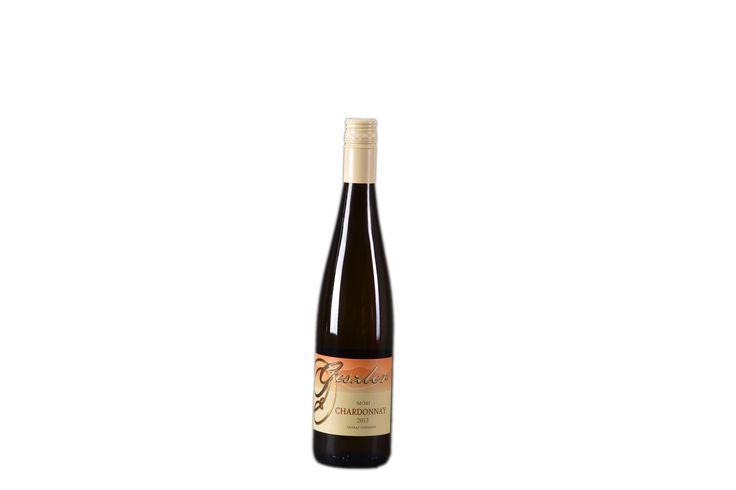 A 2013-as borok közül a legsikeresebb tételünk! Országos Borverseny arany érmes! Móri Chardonnay (2013)  oltalom alatt álló eredetmegjelölésű SZÁRAZ fehérbor  Bővebben: http://www.geszlerpince.hu/borok-geszler-csaladi-pinceszet-mor/mori-chardonnay-2013#tartalom